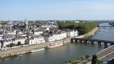 In the Pays de la Loire region - Angers, La Maine Pays de la Loire (© M.Strīķis [CC BY-SA 3.0 (http://creativecommons.org/licenses/by-sa/3.0)], via Wikimedia Commons (original photo: https://commons.wikimedia.org/wiki/File:Angers,_La_Maine,_Pays_de_la_Loire,_France_-_panoramio.jpg))