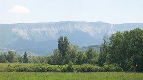 In the local region - Montagne de Chabre (© By j'en suis l'auteur (photo prise par mes soins le 22 juin 2008) [Public domain], via Wikimedia Commons)