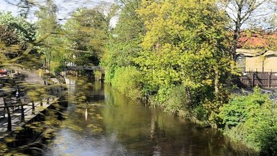 Pickering Beck from Bridge street  (© © Copyright John Firth (https://www.geograph.org.uk/profile/20991) and licensed for reuse (http://www.geograph.org.uk/reuse.php?id=3989772) under this Creative Commons Licence (https://creativecommons.org/licenses/by-sa/2.0/).)