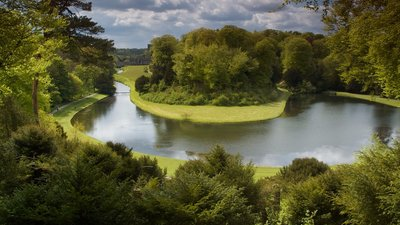 Studley Royal, Ripon (© Iain Gilmour - www.silverexpressions.co.uk [CC BY 2.0 (http://creativecommons.org/licenses/by/2.0)], via Wikimedia Commons (original photo: https://commons.wikimedia.org/wiki/File:Studley_Royal,_Ripon.jpg))