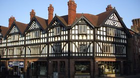 Leek Tudor buildings, Staffs (© By Yarah (Own work) [CC BY-SA 3.0 (https://creativecommons.org/licenses/by-sa/3.0)], via Wikimedia Commons (original photo: https://commons.wikimedia.org/wiki/File:Leek_Tudor_buildings,_Staffs.JPG))