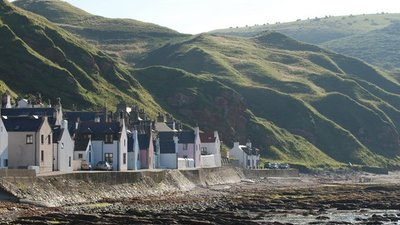 Gardenstown, Aberdeenshire near the caravan site (© © Copyright David Smith (https://www.geograph.org.uk/profile/42933) and licensed for reuse (http://www.geograph.org.uk/reuse.php?id=1616547) under this Creative Commons Licence (https://creativecommons.org/licenses/by-sa/2.0/).)