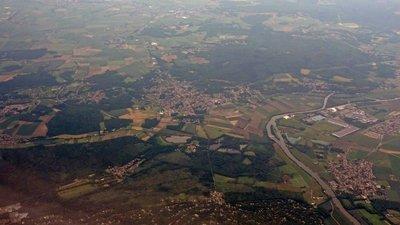 Vue aérienne de Boran-sur-Oise - Lamorlaye - Asnières-sur-Oise - Seugy (© By Clicsouris (Own work (Photo personnelle)) [CC BY-SA 3.0 (http://creativecommons.org/licenses/by-sa/3.0)], via Wikimedia Commons (original photo: https://commons.wikimedia.org/wiki/File:Vue_a%C3%A9rienne_de_Boran-sur-Oise_-_Lamorlaye_-_Asni%C3%A8res-sur-Oise_-_Seugy_01.jpg))
