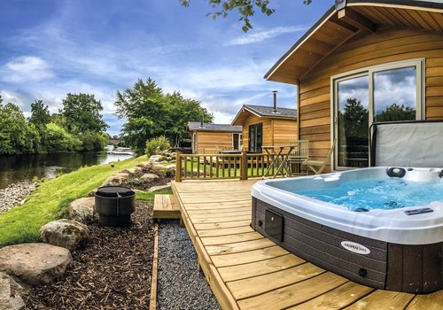 Photo of Lodge: Riverside Lodge with Hot Tub