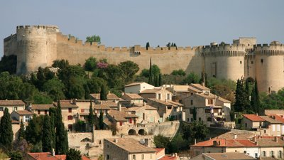 Villeneuve-lès-Avignon (© By Luu (Own work) [CC BY-SA 3.0 (http://creativecommons.org/licenses/by-sa/3.0)], via Wikimedia Commons (original photo: https://commons.wikimedia.org/wiki/File:2012_Villeneuve-l%C3%A8s-Avignon_04.JPG))