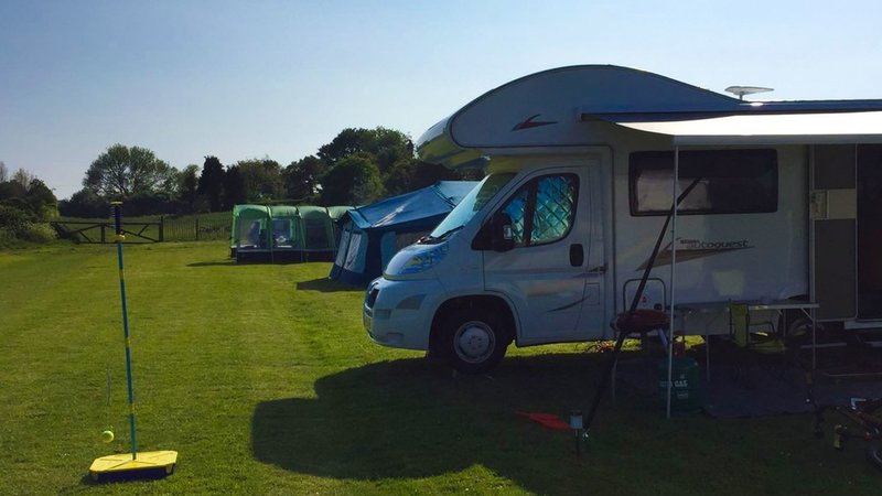 Sutton Vale Country Park - Tourers on Sutton Vale Country Park