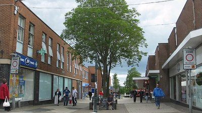 Pedestrian zone, Alfreton (© © Copyright Pauline E (http://www.geograph.org.uk/profile/13903) and licensed for reuse (http://www.geograph.org.uk/reuse.php?id=3015637) under this Creative Commons Licence (https://creativecommons.org/licenses/by-sa/2.0/).)