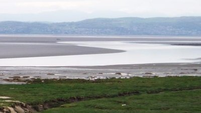 Across Morecambe bay at low tide (© By Eiffel [Public domain], via Wikimedia Commons)
