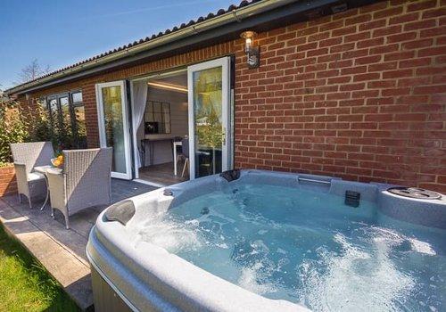 Photo of Lodge: 2-Bedroom Premium Cottage with Hot Tub, Pet Friendly, Sleeps 4