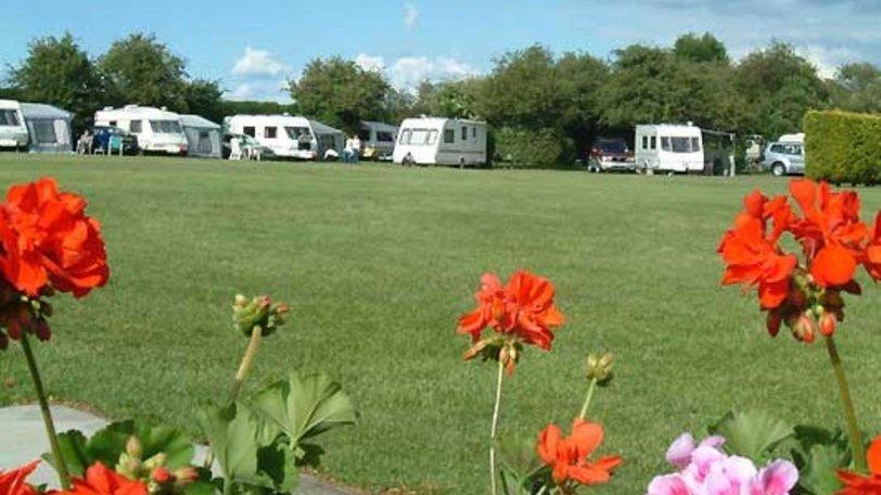 Caravan park Cambridge - Highfield Farm Touring Park