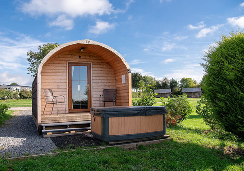 Photo of Camping pod: 1-Bed Glamping Pod with Hot Tub
