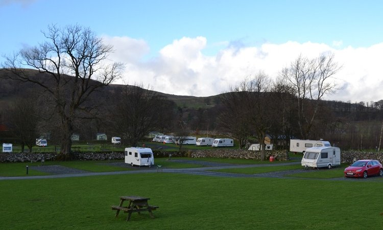 Picture of Langcliffe Park (© Claudia Dowell)