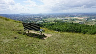 Bench overlooking Cheltenham Racecourse  - Bench overlooking Cheltenham Racecourse (© © Copyright Bill Boaden (https://www.geograph.org.uk/profile/42541) and licensed for reuse (https://www.geograph.org.uk/reuse.php?id=4646715) under this Creative Commons Licence (https://creativecommons.org/licenses/by-sa/2.0/).)