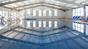 Newperran Resort Swimming Pool - Newperran Holiday Resort, Newquay