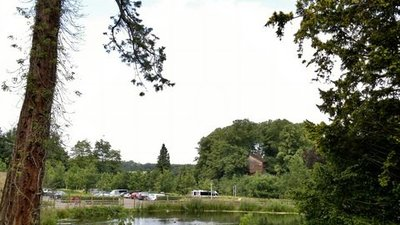 From the Cherry Orchard, across the lake, towards Tree House Restaurant, Alnwick Castle Gardens  (© © Copyright Chris Morgan (https://www.geograph.org.uk/profile/69729) and licensed for reuse (http://www.geograph.org.uk/reuse.php?id=3066777) under this Creative Commons Licence (https://creativecommons.org/licenses/by-sa/2.0/).)