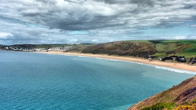 Woolacombe (© By Becks (Woolacombe) [CC BY 2.0 (http://creativecommons.org/licenses/by/2.0)], via Wikimedia Commons (original photo: https://commons.wikimedia.org/wiki/File:Woolacombe_(6934850930).jpg))