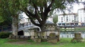 In the region: Archaeological Museum, La Charente, Saintes, Poitou-Charentes - panoramio (© M.Strīķis [CC BY-SA 3.0 (http://creativecommons.org/licenses/by-sa/3.0)], via Wikimedia Commons (original photo: https://commons.wikimedia.org/wiki/File:Archaeological_Museum,_La_Charente,_Saintes,_Poitou-Charentes,_France_-_panoramio.jpg))
