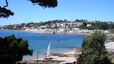 View of St Mawes (© By Stmawesinfo [CC BY 3.0 (http://creativecommons.org/licenses/by/3.0)], via Wikimedia Commons (original photo: https://commons.wikimedia.org/wiki/File:View_of_St_Mawes.jpg))