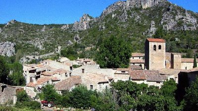 Nearby: Saint Guilhem le Désert (© By The original uploader was Cevenol2 at French Wikipedia (Transferred fromfr.wikipediato Commons.) [CC BY-SA 2.0 fr (http://creativecommons.org/licenses/by-sa/2.0/fr/deed.en)], via Wikimedia Commons (original photo: https://commons.wikimedia.org/wiki/File:Saint-Guilhem-le-D%C3%A9sert.jpg))