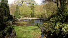 Pond in Shibden Hall garden, Southowram, Halifax (© Humphrey Bolton/Pond in Shibden Hall garden, Southowram, Halifax (original photo:https://commons.wikimedia.org/wiki/File:Pond_in_Shibden_Hall_garden,_Southowram,_Halifax_-_geograph.org.uk_-_162236.jpg))