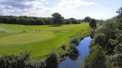 River Wyre and Golf Course, Garstang  (© © Copyright David Dixon (https://www.geograph.org.uk/profile/43729) and licensed for reuse (http://www.geograph.org.uk/reuse.php?id=2527454) under this Creative Commons Licence (https://creativecommons.org/licenses/by-sa/2.0/).)