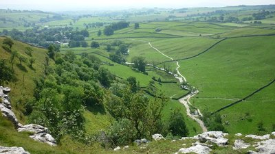 Malhamdale from Malham Cove  (© © Copyright Carroll Pierce (https://www.geograph.org.uk/profile/80068) and licensed for reuse (http://www.geograph.org.uk/reuse.php?id=4652141) under this Creative Commons Licence (https://creativecommons.org/licenses/by-sa/2.0/).)