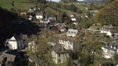 Les Angles, Hautes-Pyrénées (© By Florent Pécassou (Own work) [CC BY-SA 3.0 (http://creativecommons.org/licenses/by-sa/3.0)], via Wikimedia Commons (original photo: https://commons.wikimedia.org/wiki/File:Les_Angles,_Hautes-Pyr%C3%A9n%C3%A9es,_France.jpg))