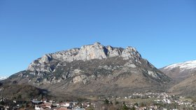Le Quié vue depuis Pech (© By Pey09 (Own work) [Public domain], via Wikimedia Commons (original picture: https://upload.wikimedia.org/wikipedia/commons/9/9a/Le_Qui%C3%A9_vue_depuis_Pech.JPG))