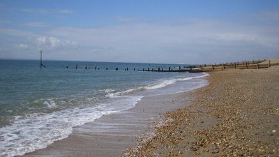 Hayling Island- Eastoke Beach  (© © Copyright Nigel Cox (http://www.geograph.org.uk/profile/2798) and licensed for reuse (http://www.geograph.org.uk/reuse.php?id=148984) under this Creative Commons Licence (https://creativecommons.org/licenses/by-sa/2.0/).)