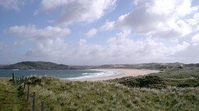 Traigh Feall - Isle of Coll close to the caravan park (© By Toby Thurston Thruston 10:32, 22 December 2005 (UTC) [Public domain], via Wikimedia Commons)