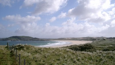 Traigh Feall - Isle of Coll close to the caravan park (© By Toby Thurston Thruston 10:32, 22 December 2005 (UTC) [Public domain], via Wikimedia Commons)
