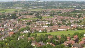Frodsham hill (© By John Warburton [CC BY-SA 3.0 (http://creativecommons.org/licenses/by-sa/3.0)], via Wikimedia Commons (original photo: https://commons.wikimedia.org/wiki/File:Frodsham-hill-cropped.jpg))