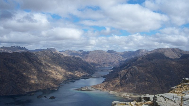 Loch Hourn - On the ascent of Ladhar Bheinn (© Photo by Graham Lewis (https://www.flickr.com/photos/62929104@N00/))