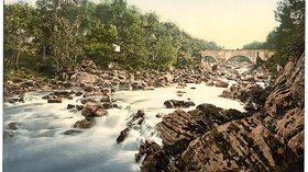 The bridge at Feugh, Banchory, Scotland near the caravan park (© By The Library of Congress [No restrictions], via Wikimedia Commons)