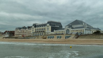 In the region - Casino de Cabourg – Cabourg – Calvados (© By Binche (Own work) [CC BY-SA 3.0 (http://creativecommons.org/licenses/by-sa/3.0)], via Wikimedia Commons (original photo: https://commons.wikimedia.org/wiki/File:Casino_de_Cabourg_%E2%80%93_Cabourg_%E2%80%93_Calvados_%E2%80%93_France_%E2%80%93_M%C3%A9rim%C3%A9e_PA00125293_(5).jpg))
