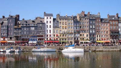 In the region Calvados - Honfleur port (© By Pinpin (Own work) [GFDL (http://www.gnu.org/copyleft/fdl.html), CC-BY-SA-3.0 (http://creativecommons.org/licenses/by-sa/3.0/) or CC BY 2.5 (http://creativecommons.org/licenses/by/2.5)], via Wikimedia Commons (GFDL: https://en.wikipedia.org/wiki/GNU_Free_Documentation_License, original photo: https://commons.wikimedia.org/wiki/File:France_Calvados_Honfleur_port.jpg))