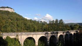 In the region: Viaduc de Maisieres-Notre-Dame, Doubs (© https://upload.wikimedia.org/wikipedia/commons/7/71/Viaduc_de_Maisieres-Notre-Dame%2C_Doubs%2C_France_-_20100910.jpg)