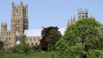Ely Cambridgeshire (© Pierre Terre [CC BY-SA 2.0 (https://creativecommons.org/licenses/by-sa/2.0)], via Wikimedia Commons (original photo: https://commons.wikimedia.org/wiki/File:Ely-Cambridgeshire-20.jpg))