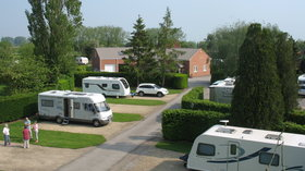 Tudor Caravan Park - Old Orchard Pitches (© Tudor Caravan Park - Slimbridge)