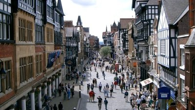 Eastgate Street Chester  (© © Copyright Gary Barber (https://www.geograph.org.uk/profile/98) and licensed for reuse (http://www.geograph.org.uk/reuse.php?id=1424) under this Creative Commons Licence (https://creativecommons.org/licenses/by-sa/2.0/).)