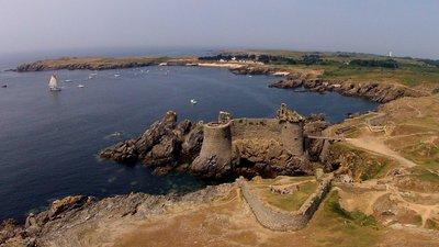 In the Vendee region: Vieux château - de l'Ile d'Yeu (Vendée), vu du ciel (Quadrocopter radio-commandé) (© By Sylvain Verlaine (Own work) [CC BY-SA 3.0 (http://creativecommons.org/licenses/by-sa/3.0)], via Wikimedia Commons (original photo: https://commons.wikimedia.org/wiki/File:%22Vieux_ch%C3%A2teau%22_de_l'Ile_d'Yeu_(Vend%C3%A9e,_France),_vu_du_ciel_(Quadrocopter_radio-command%C3%A9).jpg))