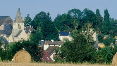 In the region: Clinchamps sur Orne (© By Entomolo (Own work) [GFDL (http://www.gnu.org/copyleft/fdl.html) or CC BY-SA 3.0 (http://creativecommons.org/licenses/by-sa/3.0)], via Wikimedia Commons (GFDL copy: https://en.wikipedia.org/wiki/GNU_Free_Documentation_License, original photo: https://commons.wikimedia.org/wiki/File:Clinchamps_sur_Orne_01.jpg))