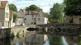 In the region: Eure et Loi  Chartres Bords de l'Eure (© By GIRAUD Patrick (Own work) [GFDL (http://www.gnu.org/copyleft/fdl.html), CC-BY-SA-3.0 (http://creativecommons.org/licenses/by-sa/3.0/) or CC BY 2.5 (http://creativecommons.org/licenses/by/2.5)], via Wikimedia Commons (GFDL copy: https://en.wikipedia.org/wiki/GNU_Free_Documentation_License,original photo:  https://commons.wikimedia.org/wiki/File:France_Eure_et_Loir_Chartres_Bords_de_l_Eure.jpg))