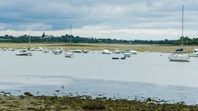 Landscape of gulf of Morbihan (© By Jebulon (Own work) [CC0], via Wikimedia Commons)