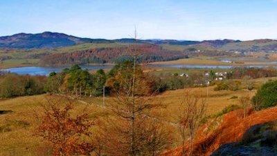 From Hog House Hill near the caravan park (© Ed Iglehart/From Hog House Hill, via Wikimedia Commons (original photo: https://commons.wikimedia.org/wiki/File:From_Hog_House_Hill_-_geograph.org.uk_-_1274047.jpg))