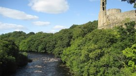 Bernard's Castle, Barnard Castle close to the camping site (© © Copyright Chris Heaton (https://www.geograph.org.uk/profile/3298) and licensed for reuse (http://www.geograph.org.uk/reuse.php?id=1516734) under this Creative Commons Licence (https://creativecommons.org/licenses/by-sa/2.0/).)