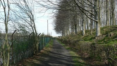 Footpath between Wigton Knowle and Eccup Reservoir near the caravan site (© © Copyright Rich Tea (https://www.geograph.org.uk/profile/4180) and licensed for reuse (http://www.geograph.org.uk/reuse.php?id=394861) under this Creative Commons Licence (https://creativecommons.org/licenses/by-sa/2.0/).)