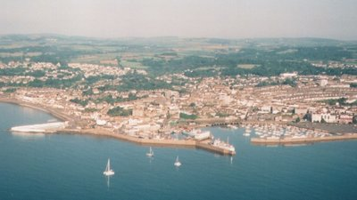 Penzance Aerial (© By Daniel Bagshaw (Own work) [CC BY-SA 2.5 (http://creativecommons.org/licenses/by-sa/2.5)], via Wikimedia Commons (original photo: https://commons.wikimedia.org/wiki/File:Penzance_Aerial.jpg))
