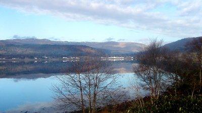 Loch Fyne near Strachur, looking toward Inverarry (© By Leehein [Public domain], via Wikimedia Commons)